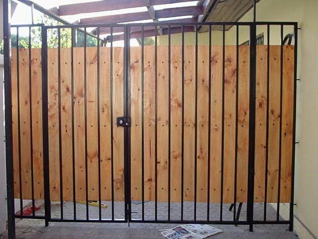Porton portones y rejas en madera pinterest for Portones de hierro para garage