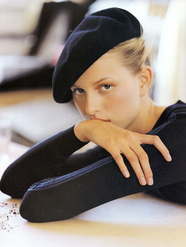 A young Karolina Kurkova doing Parisian chic.