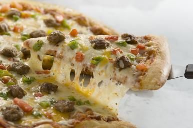Homemade Moroccan Pizza with Kefta and Caramelized Veggies: Moroccan Kefta Pizza  http://moroccanfood.about.com/od/beeflambandgoatrecipes/r/Moroccan-Kefta-Pizza-Recipe.htm?utm_content=5857069&utm_medium=email&utm_source=cn_nl&utm_campaign=fooddrinksl&utm_term=