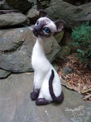 Needlefelted Siamese Cat - Doreen Backway - Rivendell Studios