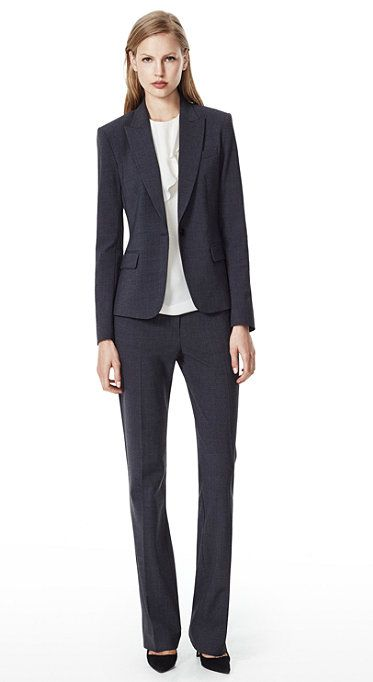 Here are the essential pieces of clothing that men and women need to ace any job interview with style, no matter your budget.
