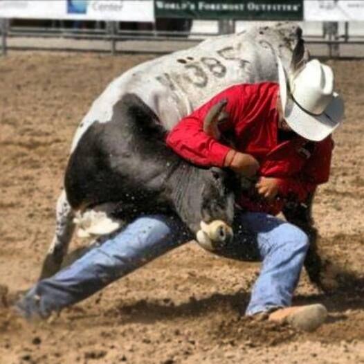 Andrew Mills - White Swan - Cowboy - Native - Washington - Steer Wrestler - Bulldogger - Steer Wrestling - Rodeo