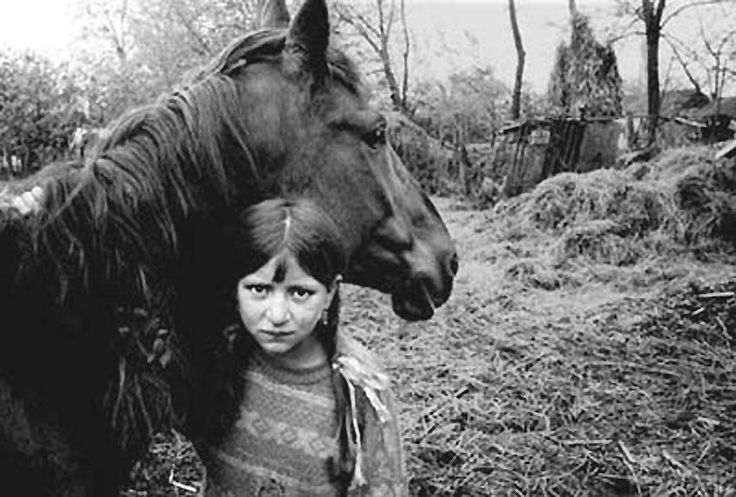 Communism forced many Roma to settle and leave their ancient ways (Romania)