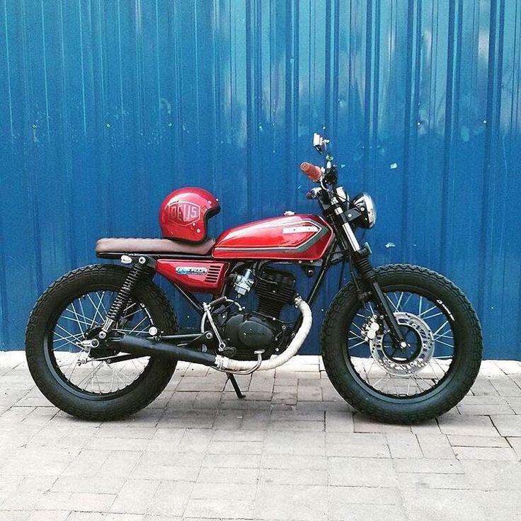 Back alley burnin' Honda CG125 from @lalaloco44. Nice work! #dropmoto