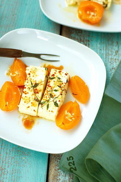 Gegrillte Aprikosen und Feta