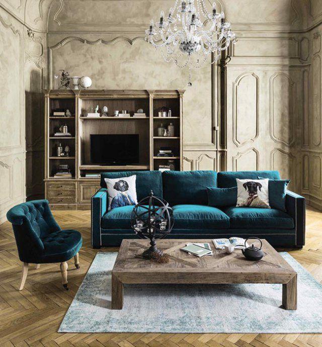 Un canapé en velours bleu canard, Maisons du Monde