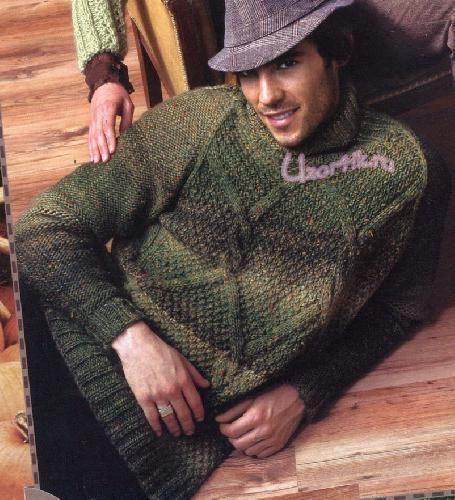Мужской свитер из пряжи болотного цвета