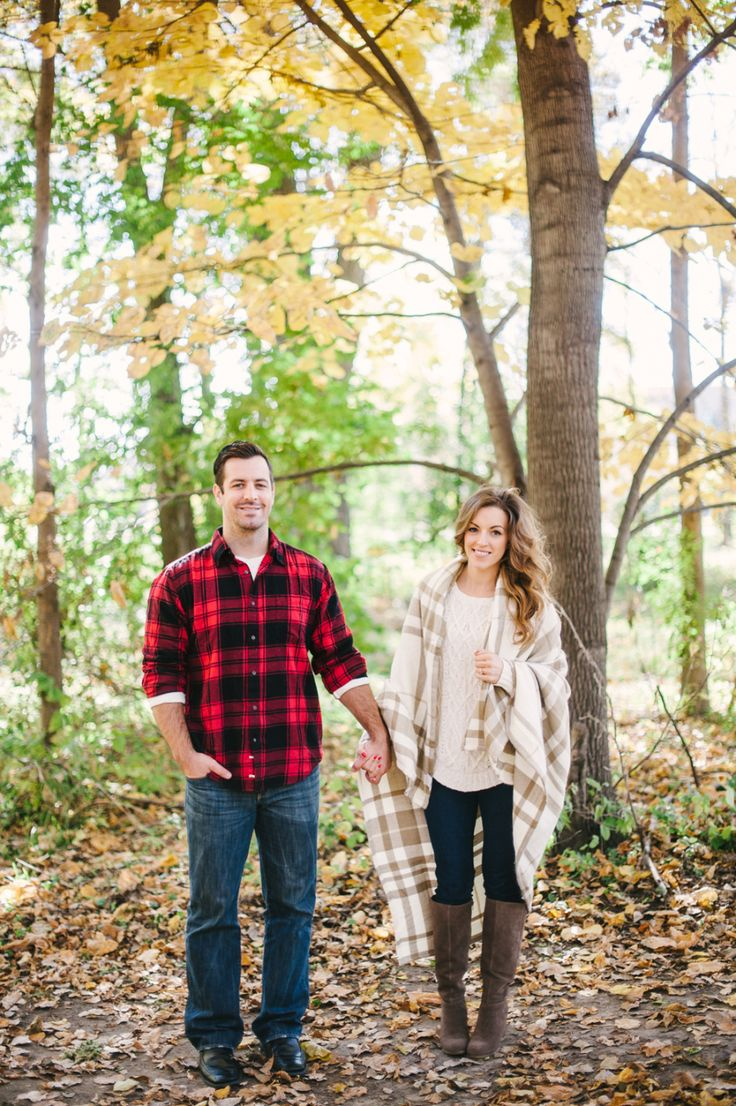 Outfit inspiration for a cute fall engagement session. Gimme all the plaid.