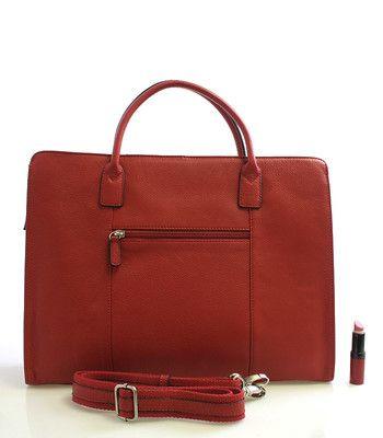 """#luxus #kůže #kabelka Červená dámská luxusní kožená aktovka Hexagona. Dovolte si nesplynout s davem a vyzkoušejte tuto červenou krasavici. Je to kabelka, ale zároveň i aktovka a taška na notebook. Hlavní přihrádka je na zip, uvnitř jsou postranní kapsičky na drobnosti a dvě kapsy na zip. Do hlavní přihrádky se vleze notebook s max. rozměrem 35 x 26 cm (13"""")"""