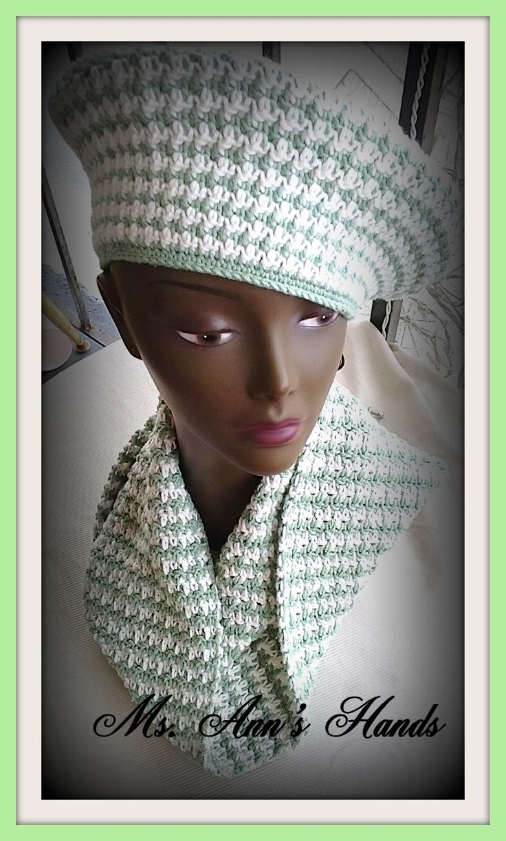 HOUNDSTOOTH HAT AND INFINITY SCARF