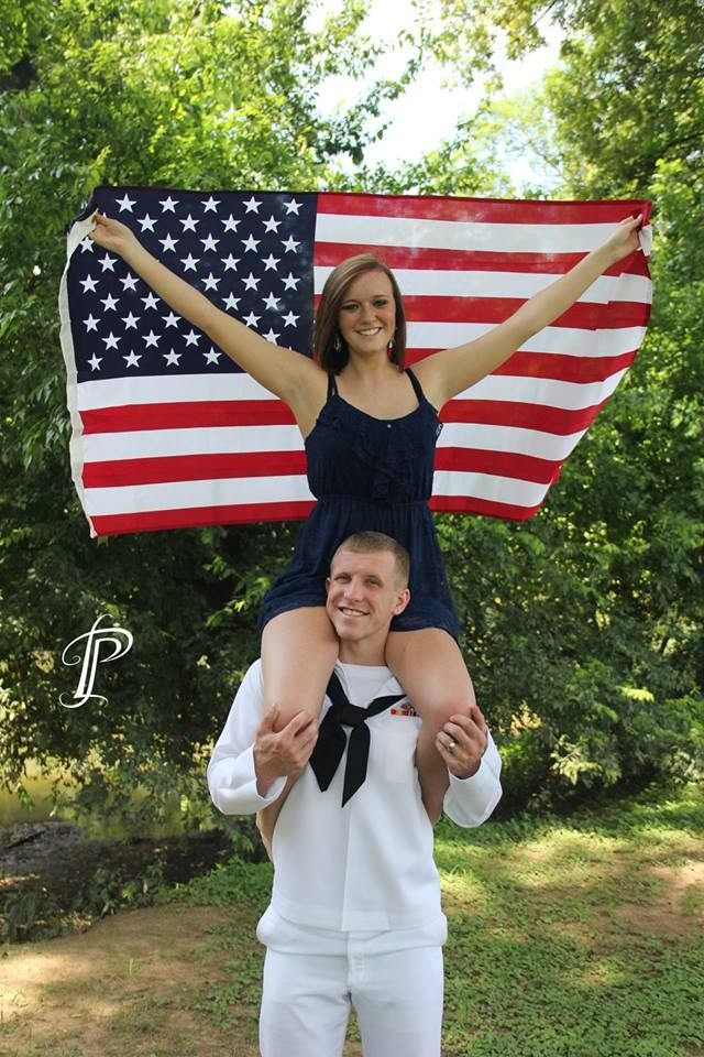 Navy military pictures. Engagement session. Taylor Leigh photography .