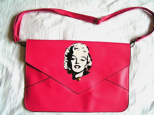 emulikart / hand painted envelope clutch Marilyn