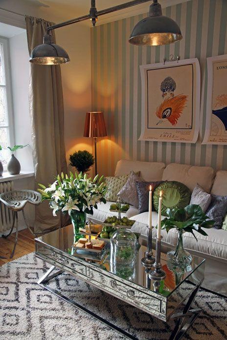 Good job Elsa Billgren, this 1920's inspired apartment looks amazing. Love it all!  Foto: Elin Bohman