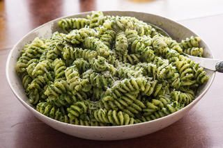 Spinach Pesto Fusilli Recipe - About 3 cups raw spinach, 3/4 cup oil, cup of parm, tablespoon of minced garlic, salt and pepper.