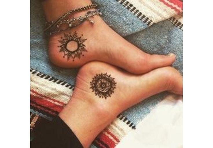 les 25 meilleures id es de la cat gorie tatouage soleil mandala sur pinterest soleil mandala. Black Bedroom Furniture Sets. Home Design Ideas
