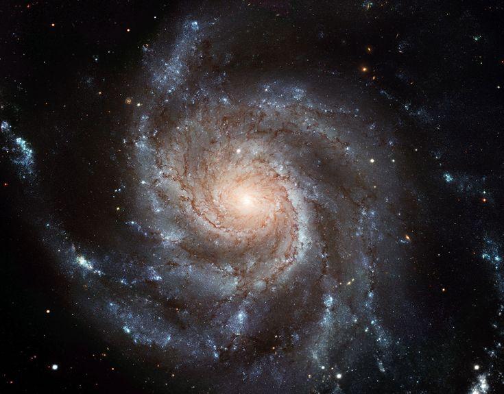 Largest ever galaxy portrait - stunning HD image of Pinwheel Galaxy   ESA/Hubble