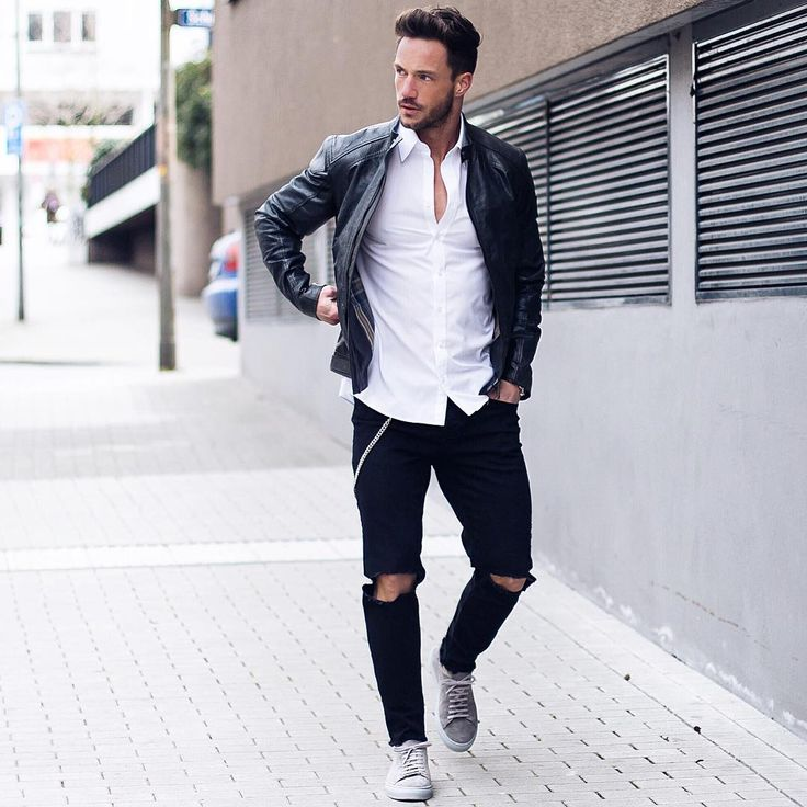 """""""Today's look* Have a nice evening! ___________ Jacket: @belstaff  Jeans: @zara  Shoes: @axelarigato"""""""
