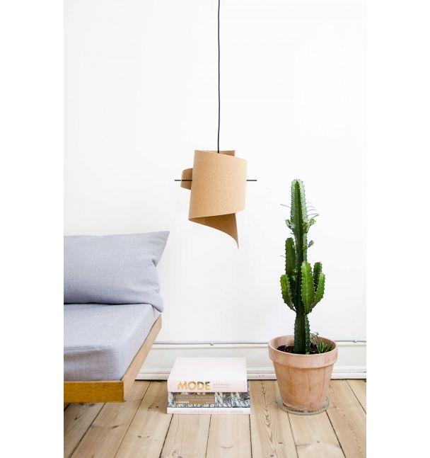 LIVING // MOIJN // FINDERSKEEPERS Lampe // lamp // kork // stilleben // kaktus // cactus