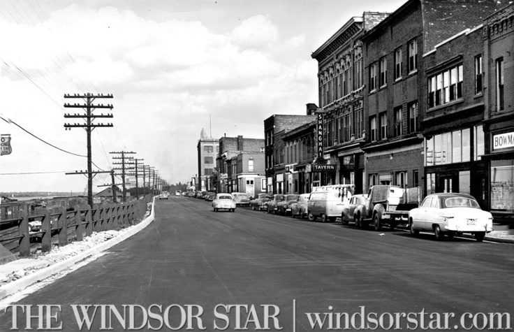 1953- No more detours for Sandwich St. drivers. Motorists who have been winding their way along Chatham, Pitt and Assumption St. for the past four months while the $275,000 Sandwich St. reconstruction program was being carried out. (The Windsor Star-FILE)