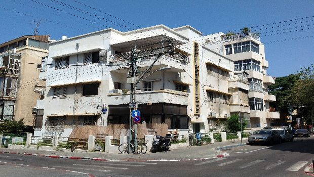 """Tel Aviv, un viaggio per immagini nel cuore Bauhaus della """"white city"""""""
