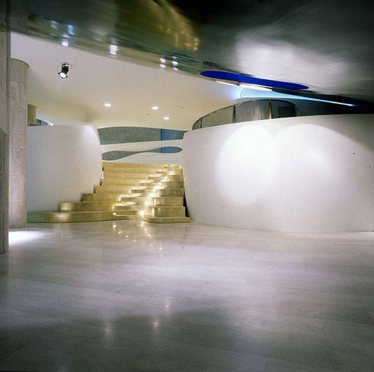Кто такой Рон Арад и что смотреть на его персональной выставке в Москве