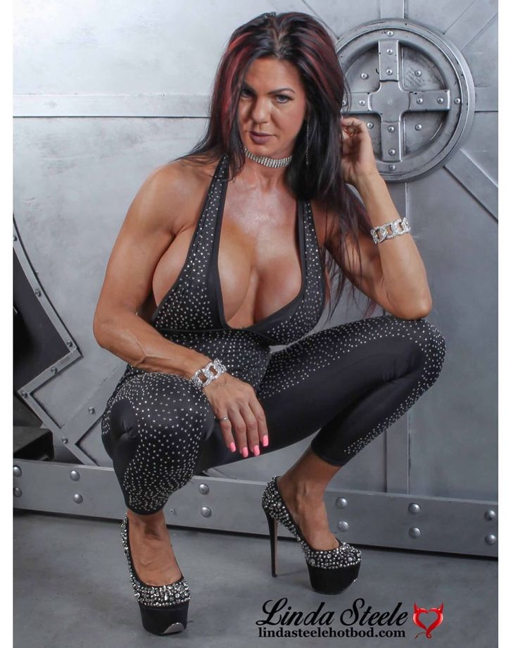 Linda Steele Fitness Model On Instagram I M A Little Late With My Fun Shoe Friday Post But Here It Is It S Going To Be A Busy P Steele Model Linda