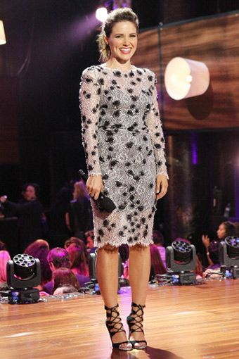 Sophia Bush - Elbise: Mandalay