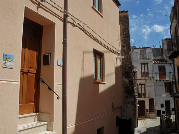 B&B/Holiday house Hysnara in Isnello. Experience life in a Sicilian village - Isnello, Sicily http://homemadesicily.com/en/where-to-sleep/bb-holiday-house-hysnara/