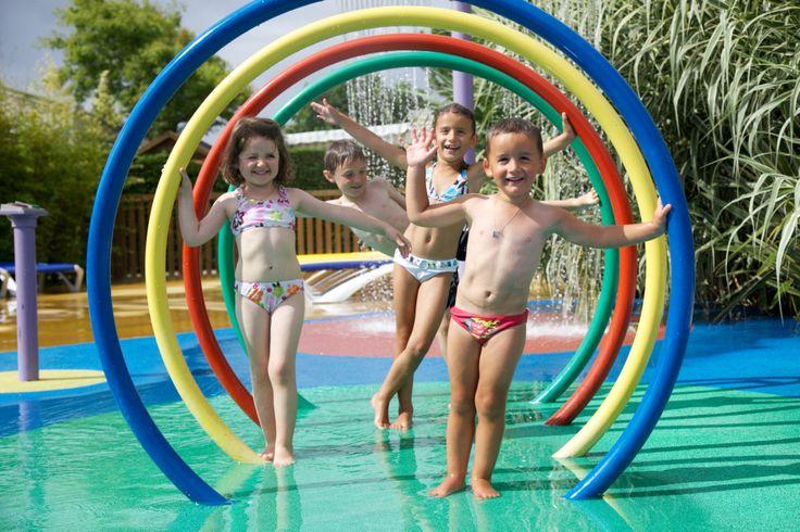 Camping-spelletjes-kinderen-zwembad
