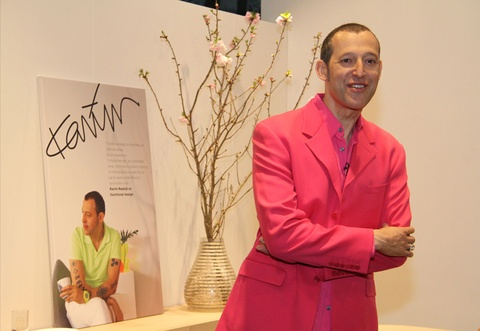 Karim Rashid talks about his Ottawa Collection, his inspirations...it's inspiring for everyone dedicated to design.