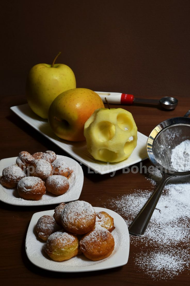 Italian Food - Frittelle di mele (Fried apples with batter)