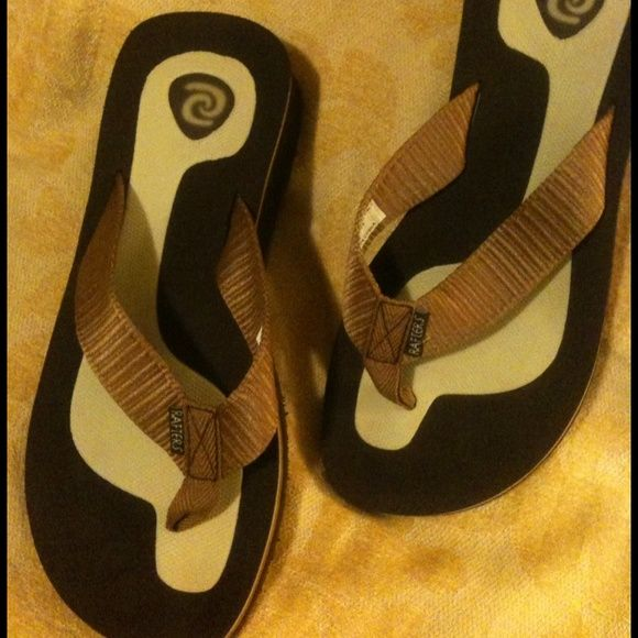Rafters Sandals New sandals, never worn. I have to many sandals and just forgot about these... Has golden brown strap, in excellent condition. rafters Shoes Sandals