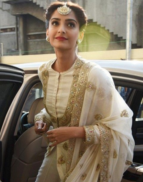Elegant updos: Sonam Kapoor