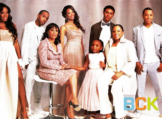 "The Simmons family are featured in the May edition of Ebony magazine. Although every family member of Run's House is photographed looking his or her best, special emphasis is placed on Justine Simmons, Rev Run Simmons' current wife, and Valerie Vaughn, Run's first wife, as they co-parent the clan together.  Pictured are Vanessa (28), Angela (24), Joseph Jr. ""JoJo"" (22), Daniel ""Diggy"" (17) , Russell ""Russy"" (15), Miley Simmons(4), Valerie Vaughn, and Justine Simmons."