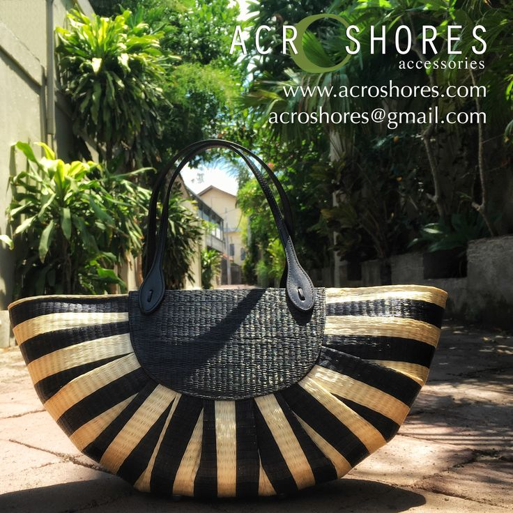Bring me to the #beach Let the Sun Bag carry your essentials. Buntal handbag stripes in black and natural