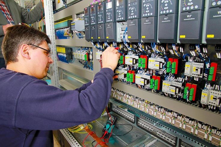 What makes #Distributed Control System (#DCS) better than others? #Electronic #Control #System #Automation #PLC #Yantra #Education