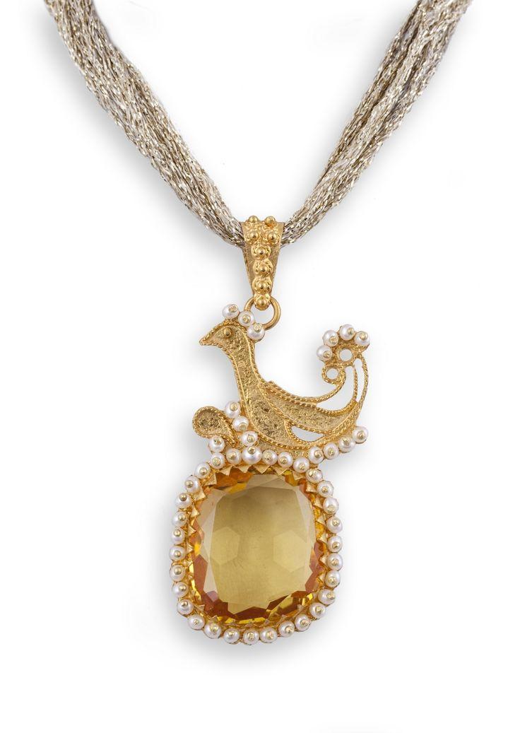 18K Gold filigree pendant with yellow Topaz. Pendente in filigrana in oro 18Kt con Topazio citrino. loredanamandas.com
