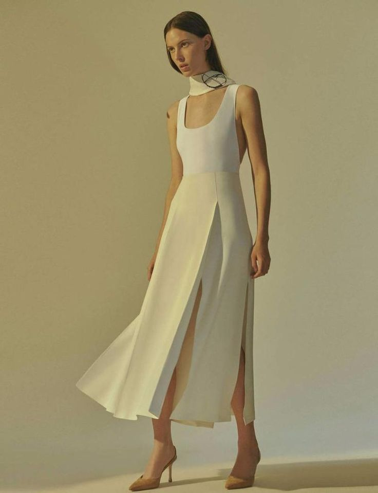 High Summer Simplicity: A Sleek Foundation for Easy Pieces (The Line)