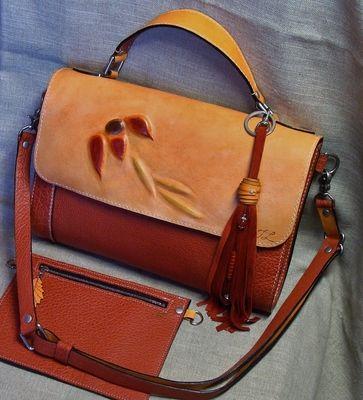 Sac à main en cuir de buffle couleur paprika, cousu à la main au point sellier - Produits fabriqués au Québec par Créations Trouloulou