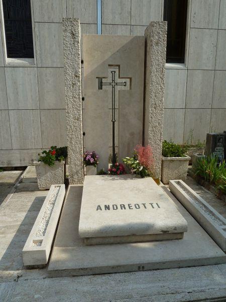 Giulio Andreotti - Verano Ampliamento riquadro 149