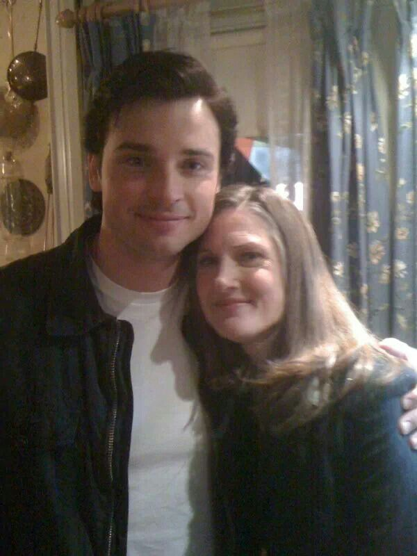 Tom Welling and 'mom' Annette O'Toole