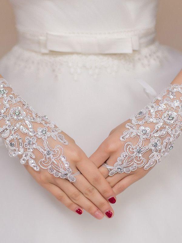 Vintage Retro Gold Bridal Wedding Tiara And Crown Wedding Head Jewelry |  Uniqistic.com | Wedding gloves, Bridal gloves, Cheap wedding accessories