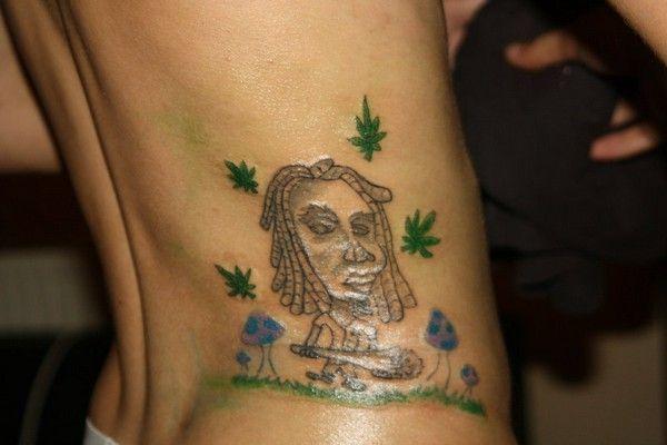 les 38 meilleures images du tableau space weed smoke tattoos sur pinterest cannabis mauvaises. Black Bedroom Furniture Sets. Home Design Ideas