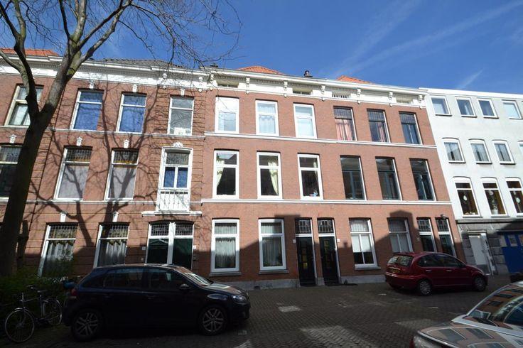 Hugo de Grootstraat | Zeeheldenkwartier | Den Haag (stad)  Woonruimte te huur in Zeeheldenkwartier Den Haag. Vanaf 15-05-2017 komt er een Zelfstandige studio beschikbaar! Het heeft een oppervlakte van 20m2 1 kamer(s) en 1 slaapkamer(s). Het zal Gestoffeerd opgeleverd worden. De huurprijs is 475- per maand (exclusief). De borgsom bedraagt 550-. Matchen jouw woonwensen met deze woonruimte?  EUR 475.00  Meer informatie