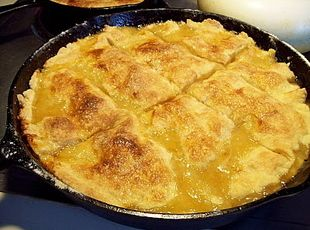 APPLE PANDOWDY     an Early COLONIAL  Desert -(PIE) from the PENN. DUTCH Recipe