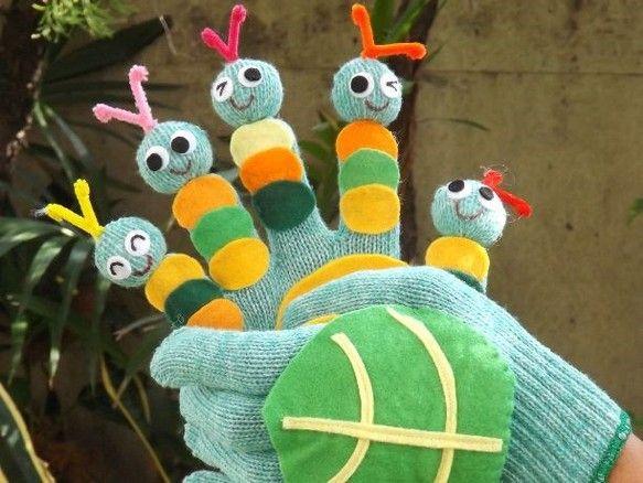 「キャベツの中から」の手遊びセット(手袋シアター)です。子どもたちと一緒に『キャベツの中から あおむしでたよ・・・おとうさん あおむし・・・ ♪』と元気よく唄...|ハンドメイド、手作り、手仕事品の通販・販売・購入ならCreema。