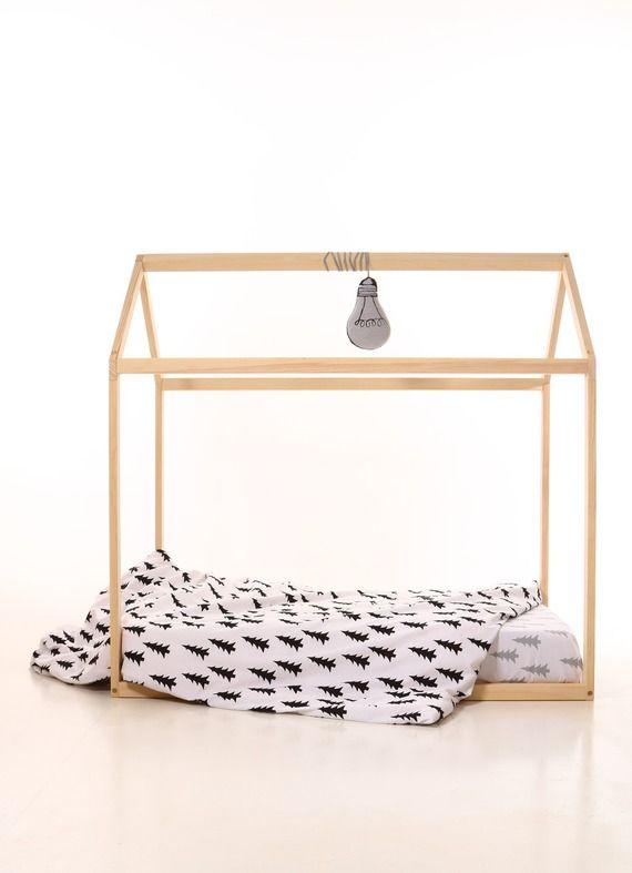 80 x 160 cm hambre de bébé enfants lit maison en bois montessori. Maison de lit des enfants. Jeu maison