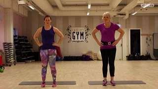 """Jumppaa personal trainer Kirsi """"Kiki"""" Halmeen tahtiin. Katso tästä kymmenen minuutin treeni!"""