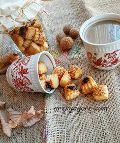 Tuzlu Minik Kurabiye Tarifi Nasıl Yapılır? Kevserin Mutfağından Resimli Tuzlu Minik Kurabiye tarifinin püf noktaları, ayrıntılı anlatımı, en kolay ve pratik yapılışı.