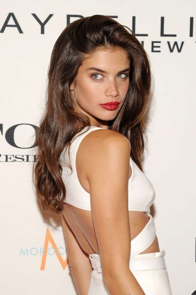 Sara Sampaio – The Daily Front Row Third Annual Awards : Global Celebrtities (F) FunFunky.com